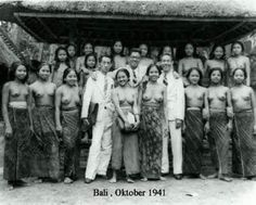 Old Bali Photos - I'm pretty sure these gents didn't how their wives back home this photo...