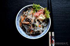 Sałatka z makaronu ryżowego i glonów Japchae, Ethnic Recipes, Food, Essen, Meals, Yemek, Eten