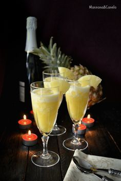 Pineapple sorbet with cava Cocktails, Cocktail Drinks, Cocktail Ideas, Party Drinks, Food N, Food And Drink, Pineapple Sorbet, Gourmet Appetizers, Xmas Food