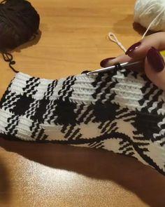 Tapestry Crochet, Crochet Motif, Crochet Yarn, Plaid Crochet, Learn Crochet, Crochet Stitches Patterns, Crochet Designs, Crochet Instructions, Crochet Videos