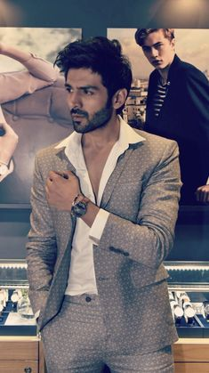 Inspired by geometric precision and translated into avant - garde prints, as seen on Kartik Aaryan at the Daniel Wellington store launch in Mumbai. Bollywood Suits, Bollywood Couples, Bollywood Actors, Bollywood Celebrities, Handsome Actors, Cute Actors, Handsome Boys, Cute Celebrities, Indian Celebrities