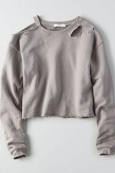 Cut Off Sweatshirt, Cold Shoulder Sweatshirt, Diy Sweatshirt, T Shirt Diy, Sweater Shirt, Cut Sweatshirts, Cut Shirts, Ripped Hoodie, T Shirt Crop Top