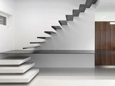 Find all projects dedicated to Internal staircases and selected by the Archilovers team Staircase Interior Design, Home Stairs Design, Home Theater Design, White Staircase, Concrete Stairs, Modern Stairs, A Frame House, House Stairs, Giza