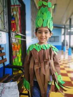 100 Cool DIY Halloween Costume for Kids for 2019 - Hike n Dip Here are 100 Cool Halloween Costumes for Kids ideas which you can DIY and make Halloween special for your kids. These Kids Halloween Costume are the best. Girl Zombie Costume, Wind Up Doll Costume, Broken Doll Costume, Spider Girl Costume, Bubble Costume, Tree Costume, Best Diy Halloween Costumes, Halloween Kostüm, Group Halloween