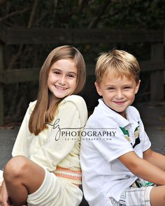 Family Photography, Portrait Photography, Melbourne Florida, Family Portrait Poses, Cocoa Beach, Outdoor Photos, Professional Photography, What To Wear, Couple Photos