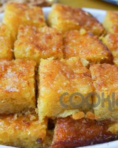 Πορτοκαλόπιτα χωρίς αυγά - Cooklos.gr Greek Desserts, Greek Recipes, Vegan Recipes, Cookbook Recipes, Cooking Recipes, Cornbread, French Toast, Bakery, Recipies