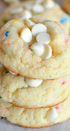 Funfetti cheesecake cookies, with white chocolate chips.