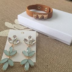 FiNal price! T&J Earring and bracelet bundle Brand new Retail items from T&J. Comes with camel color vegan leather bracelet and gold tone studs. Mint Ivy dangled earrings. Great bargain. $48 dollar value. Any questions please feel free to ask. Worth the shipping cost ✉️ T&J Designs Jewelry