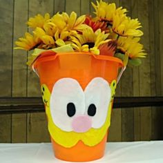 Hoyby Crafts: Garfield party decorations