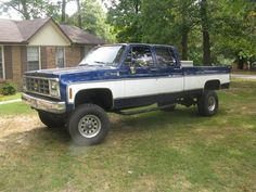 Page How about some pics of crew cabs The 1973 - 1987 Chevrolet & GMC Squarebody Pickups Message Board 87 Chevy Truck, Lifted Chevy Trucks, Gm Trucks, Chevrolet Trucks, Diesel Trucks, Cool Trucks, Chevy Stepside, Chevy Pickups, Old Pickup Trucks