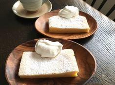 豆腐サワークリームかすていら tofu sour cream castella sponge cake :a light porous cake made with eggs and flour and sugar without shortening ショートニングなしで卵と小麦粉と砂糖で作られる軽い多孔性ケーキ