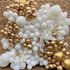 Classy and chic balloon wall! By: - New Deko Sites White Party Decorations, Birthday Balloon Decorations, Birthday Balloons, Gold Birthday Party, Balloon Backdrop, Balloon Wall, Balloon Garland, Metallic Balloons, White Balloons
