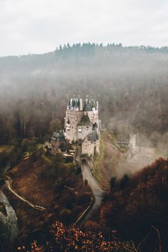 stayfr-sh:  Eltz Castle