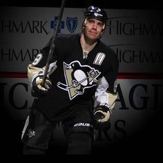 It's been a pleasure watching this man play over the years. To one of my favourite players thank you for gracing the hockey world with your love & talent. The game won't be the same without you @duper9 @penguins #pascaldupuis #pittsburghpenguins #duper #hockeyplayer #hockey #nhl #pittsburgh #penguins #retired #9 #hockeylife #igers #igdaily #potd #instagood #instalike #instahockey #love #picoftheday #instamood #canadian #canadianblogger #thankyou #fan #youwillbemissed by kikikhosla