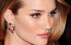Μάσκα προσώπου που αφαιρεί μαγικά πανάδες, σημάδια ακμής, ρυτίδες από την δεύτερη χρήση της! | Μυστικά ομορφιάς | mystikaomorfias.gr Diamond Earrings, Drop Earrings, Cosmetics, Jewelry, Jewlery, Jewerly, Schmuck, Drop Earring, Jewels