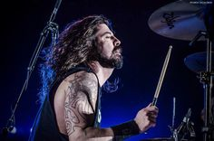 Dave Grohl drums....