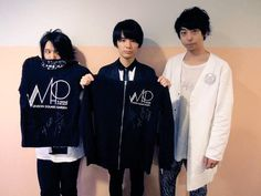 @sma_now 【SMA Time for Action! 熊本】出品中!UNISON SQUARE GARDENサイン入りTシャツ&パーカー! page2.auctions.yahoo.co.jp/jp/auction/b21… page16.auctions.yahoo.co.jp/jp/auction/u11…