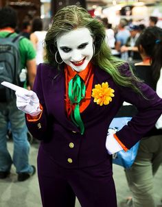 I was just going to post one lady Joker but there were so many, I thought I would make a list. For your cosplay enjoyment, female Jokers. Cosplay Del Joker, Female Joker Costume, Dc Cosplay, Deadpool Cosplay, Cosplay Girls, Joker Make-up, Joker And Harley Quinn, Joker Face, Diy Costumes