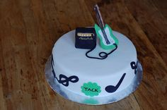 A thank you-cake with a music theme. Bass and marshall speaker on top