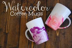 DIY Watercolor Coffee Mugs diy craft crafts diy ideas diy crafts do it yourself diy projects diy craft diy idea and craft watercolor coffee mugs Diy Projects To Try, Craft Projects, Diy Becher, Diy Nagellack, Marble Mugs, Diy Simple, Diy Nail Polish, Diy Mugs, Easy Diy Gifts