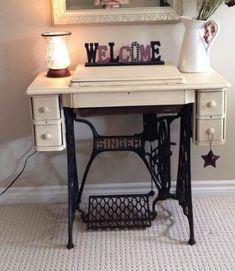 Sewing Machine Table Upcycle Ideas 38 Trendy Ideas - Sewing Machine Table Upcycle Ideas 38 Trendy Ideas Best Picture For easy diy sewing For Y - Antique Sewing Machine Table, Diy Sewing Table, Sewing Machine Projects, Antique Sewing Machines, Treadle Sewing Machines, Singer Sewing Tables, Singer Table, Sewing Rooms, Sewing Spaces
