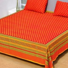 Sharrate provides premium range of luxury bedsheets where you get unique taste of collection for your bed rooms. Luxury Bed Sheets, Bed Sheets Online, Buy Bed, Bed Sheet Sets, Woven Fabric, Red, Stuff To Buy, Furniture, Collection