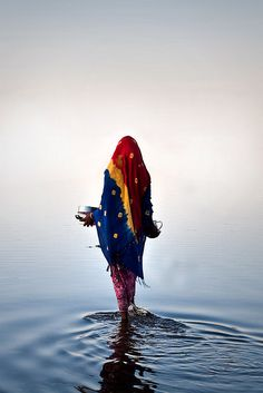 Washing the dishes. Mamdi, Lac, Chad, Africa | © Walker Travels [mercy...this image is so moving, I'm tearing up]