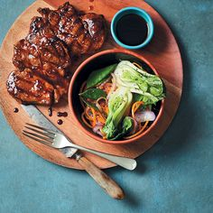 Teriyaki rib-eye pork steaks with stir-fried vegetables Pork Ribs, Pork Steaks, Rib Eye Recipes, Steak Stir Fry, Fried Vegetables, Vegetable Stir Fry, Pork Dishes, Easy Dinner Recipes, Ethnic Recipes