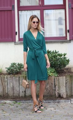 @ruxandraioana looking so elegant as ever in her green plunge wrap-style belted dress. #LBSDaily