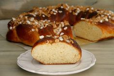Roscón trenzado de brioche con avellanas Nutella, Tapas, Mousse, French Toast, Bread, Breakfast, Christmas, Food, Deserts