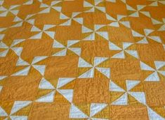 yellow and white pinwheel patchwork Old Quilts, Antique Quilts, Vintage Quilts, Oyin Handmade, Handmade Pottery, Handmade Crafts, Handmade Rugs, Handmade Jewelry, Yellow Quilts