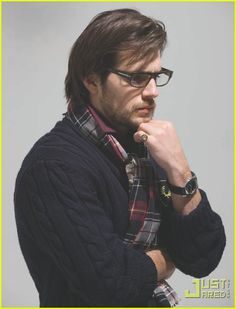 Glasses, cardigan, scarf. Applause for Henry Cavill please.