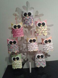 Uiltjes traktatie. Doosje waar je snoepjes in kan doen. 2 Birthday, Birthday Parties, Owl Treats, Childrens Meals, Party Favors, Cake Pops, Candy, Kids, Crafts