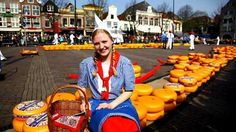 stock-footage-alkmaar-the-netherlands-april-girl-in-dutch-costume-alkmar-cheese-market-april.jpg (400×224)