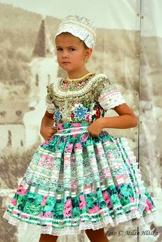 A Slovak wedding - children performance  Photography by Milan Hlôškaklore | Tumblr