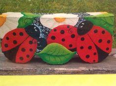 Gartenfertiger Frühling mit Marienkäfern - Fertigerhandwerk #Wanzen #Basteln #Gartenfertiger #Gartenpflaster ... - #basteln... Painted Bricks Crafts, Brick Crafts, Brick Projects, Stone Crafts, Painted Stepping Stones, Painted Pavers, Painted Rocks, Cement Pavers, Painting Concrete