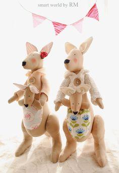 Peluche mamá canguro y bebé realizado en tejidos 100% algodón , se puede realizar en otros tonos y estampados.Consultar colores
