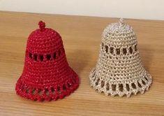 10 návodů na háčkované zvonky, které jsem sama vyzkoušela pro Vánoce 2018 - Krásné bydlení Christmas Bells, Christmas Decorations, Crochet Braids, Crochet Hats, Crochet Butterfly, Holiday Crochet, Decorative Bells, Diy And Crafts, Crochet Earrings
