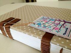 Caderno com costura aparente 16x11cm
