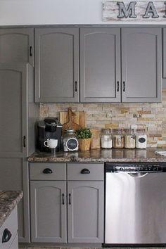 Stunning Gray Farmhouse Kitchen Cabinet Makeover Ideas 06