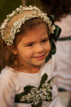 mini capota.... Wedding With Kids, Sister Wedding, Fascinator, Headpiece, Diy Hair Accessories, Cute Little Girls, Baby Sewing, Diy Hairstyles, Diy For Kids