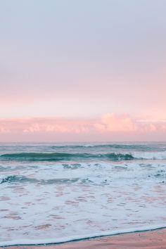 Sunrise at Surfer's Beach in Half Moon Bay, California // WeAreAdventure. Aesthetic Pastel Wallpaper, Aesthetic Backgrounds, Aesthetic Wallpapers, Sunset Wallpaper, Wallpaper Backgrounds, Big Wave Surfing, Beach Background, Beach Aesthetic, Photo Wall Collage