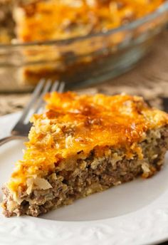 Impossible Cheeseburger Pie - Super easy and delicious! This yummy recipe is full of cheesy beefy flavor that everyone loves. Super easy and delicious! This yummy recipe is full of cheesy beefy flavor that everyone loves. Easy Meat Pie Recipe, Easy Cheeseburger Pie Recipe, Impossibly Easy Cheeseburger Pie, Easy Casserole Recipes, Bisquick Recipes, Amish Recipes, Real Food Recipes, Cooking Recipes, Yummy Food