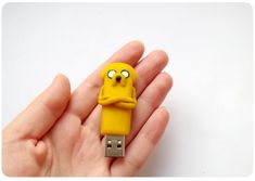 USB flash drive Adventure time, Jake the dog, back to school , polymer clay usb Polymer Clay Disney, Cute Polymer Clay, Spy Gadgets, Cool Gadgets To Buy, Usb Drive, Usb Flash Drive, Jake The Dogs, Biscuit, Iphone Accessories