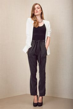 love this outfit Silk Pants, Harem Pants, Rock Chic, Black Trousers, White Fashion, Get The Look, Grey And White, Empty, Parachute Pants