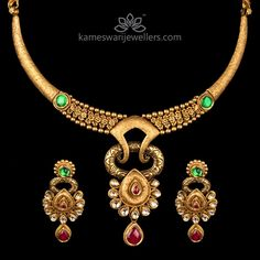 Traditional gold necklaces for women from the house of Kameswari. Shop for antique gold necklace, exquisite diamond necklace and more! Kids Gold Jewellery, Clean Gold Jewelry, Gold Jewellery Design, Latest Jewellery, Unique Jewelry, India Jewelry, Jewelry Shop, Antique Necklace, Antique Jewellery