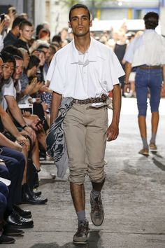 See the complete Y/Project Spring 2018 Menswear collection.