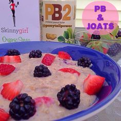 """PB2&J  ⬇️⬇️ •1/2 cup old fashioned oats  •1 cup water  •Microwave for 3:00  •Whisk in 3 egg whites  •Microwave for :30 •Whisk and microwave for :30 •Add 3 tbsp PB2 (or peanut flour or 1-2 tbsp real pb)  •Add desired sweetener of choice and whisk  •I used 1 packet stevia and 2 tbsp Walden Farms pancake syrup  •Now stir in or top with your """"J"""" of choice  •I used chopped organic strawberries and blackberries -some were mixed in and some were plopped on top!"""