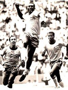 pelé brasil comemora gol copa do mundo 1970 (Foto: agência AFP)