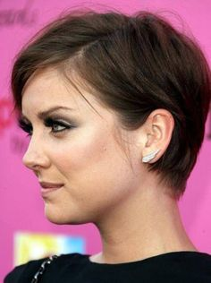 Jessica Stroup: my new hair-spiration Thin Hair Haircuts, Funky Hairstyles, Pretty Hairstyles, Short Haircuts, Woman Hairstyles, Hairstyles Pictures, Jessica Stroup, Cut My Hair, Her Hair